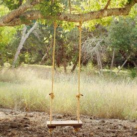 Got A Tree See How To Make Your Own Rustic Tree Swing Como Andar De Salto Quintal Balancos