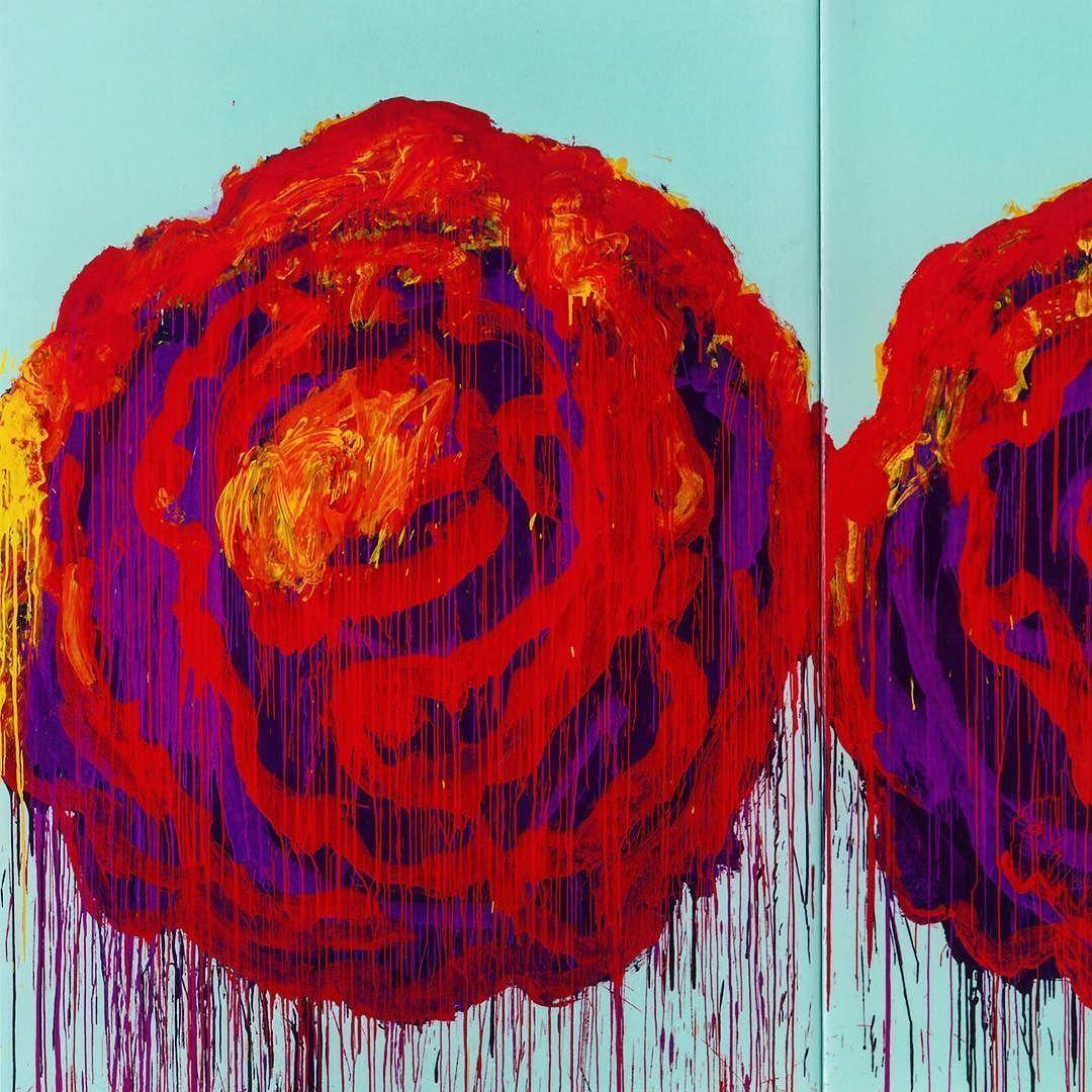 Full pic > @fredericclad   Cy Twombly The Rose (IV) 2008  Peinture de fin de Carrière (décès en 2011). Triptyque. Représentation de 3 roses sur aplat de couleur. Twombly réalise une intéressante combinaison entre expressionnisme abstrait (traitement jouissif des roses à la Joan Mitchell) et pop art (en guise de fond aplat de couleur uniforme vive  sujet). Une sorte de synthèse brillante et évidente des deux plus grands mouvements picturaux américains du XXe siècle   #cytwombly #twombly…