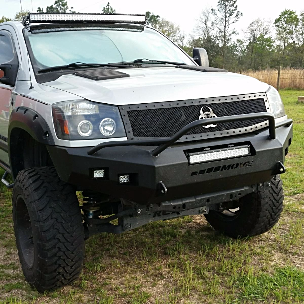 This nissan is sporting a sexy move bumper and it looks great nissan nissantitan titan nissantrucks sexynissan diyproject diy projects t