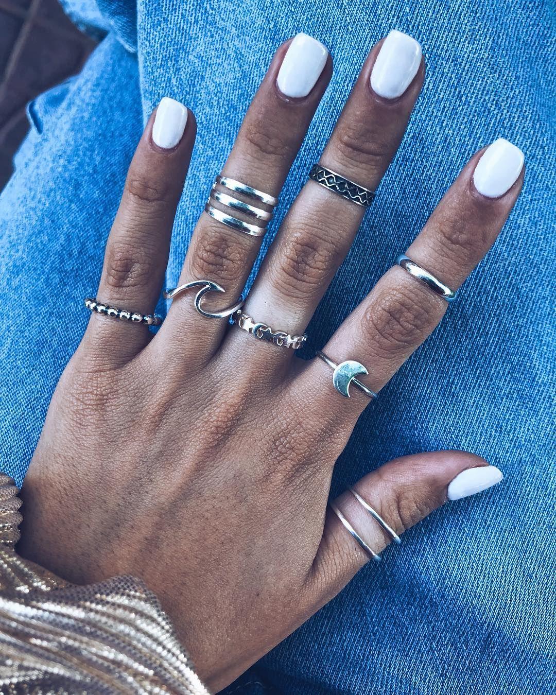 D E J A N D O H U E L L A S On Instagram Anillos Midis Y Normales Cuales Te Gustan Más Nosotras Apostamos Por Usarlos Combi Jewelry Silver Rings Rings
