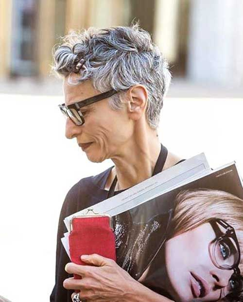 15 Short Pixie Hairstyles For Older Women