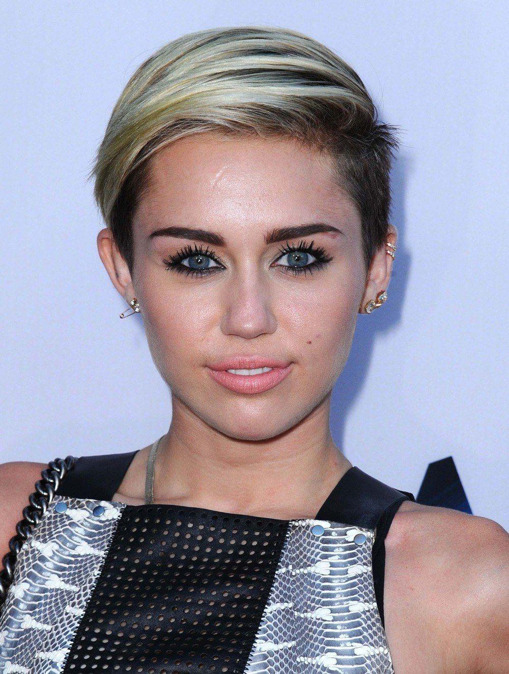 Miley Cyrus Short Hair Google Search Short Hair Pinterest