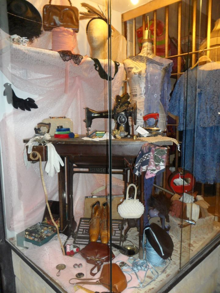 Botteghe Baker - Vintage Clothes & Accessories in Palermo | Via Alessandro Paternostro, 47