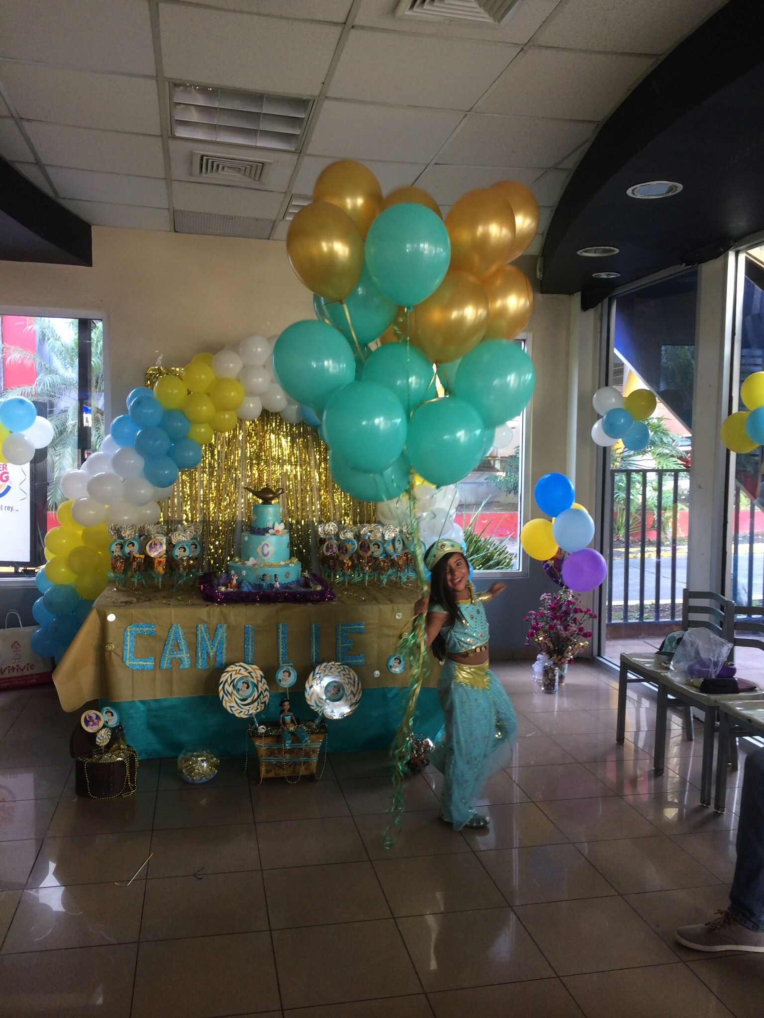 Princess jasmine decoration princess jasmine party for Aladdin decoration ideas
