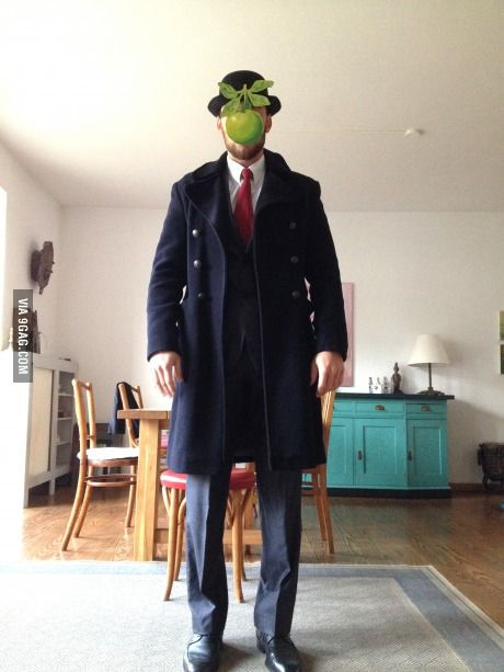 Magritte cosplay