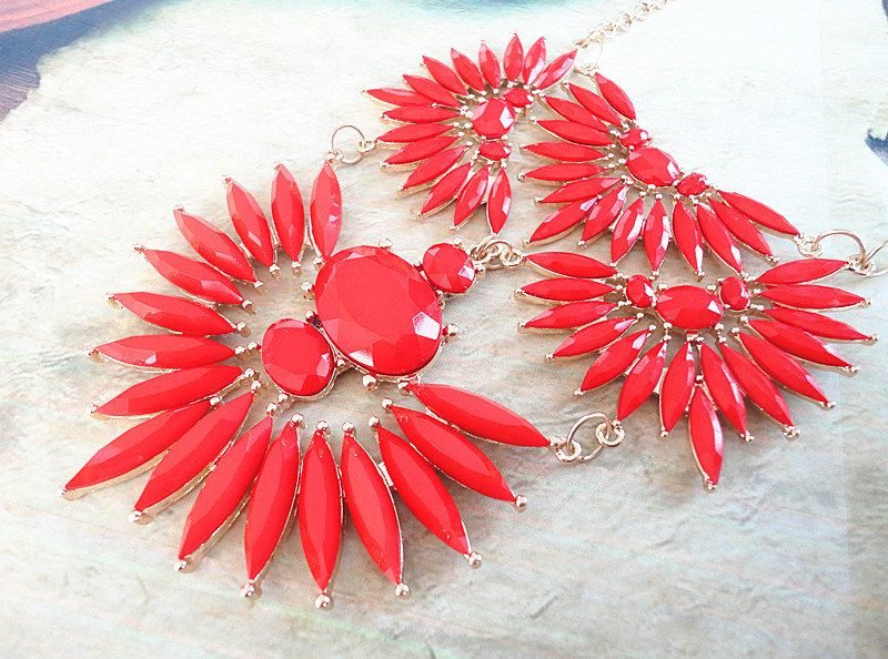 Red+faceted+geometric+resin+stone+gold+chain+metal+by+Trendysky,+$14.99
