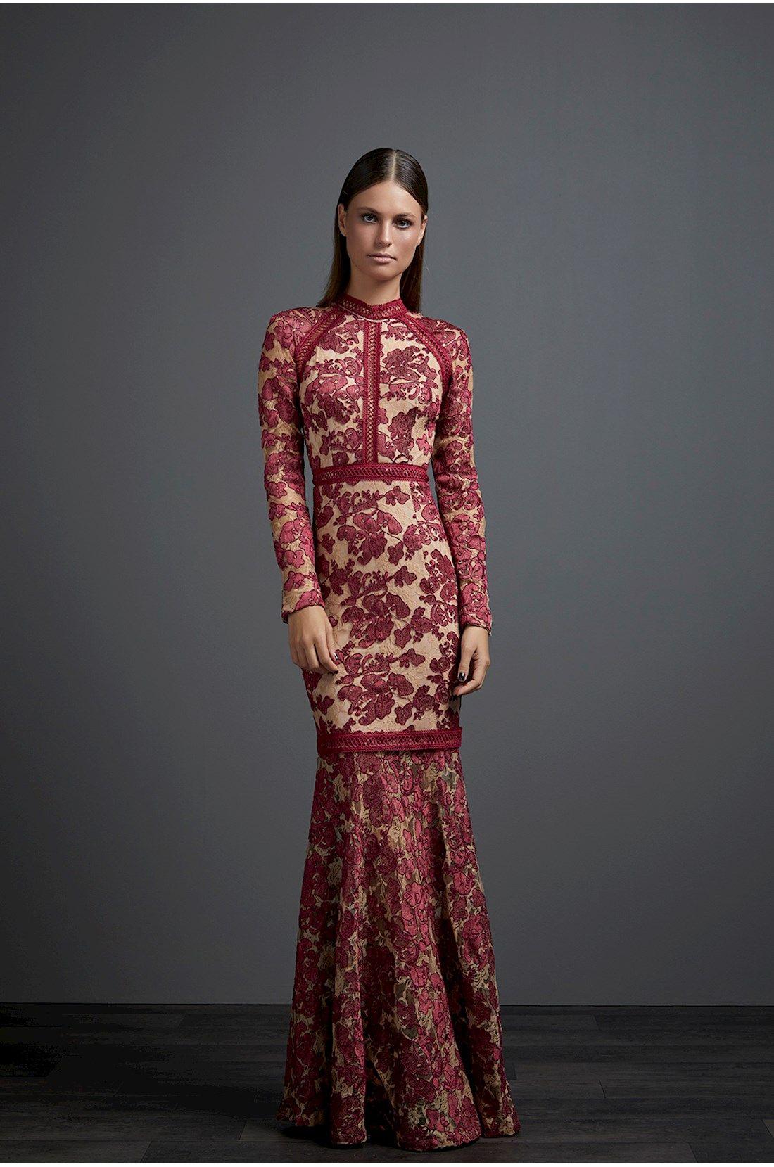 Vestido longo de renda de manga comprida