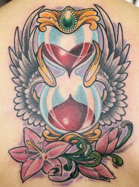 Sanduhr gezeichnet tattoo  EvilTom: sanduhr mit flügeln | Sanduhr, Fotos und Uhren