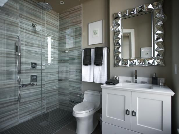 Much Like The Master Bathroom The Guest Bathroom Features Several