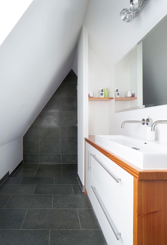 Badgestaltung in einem jahrhundertealten Haus: Ein modernisiertes