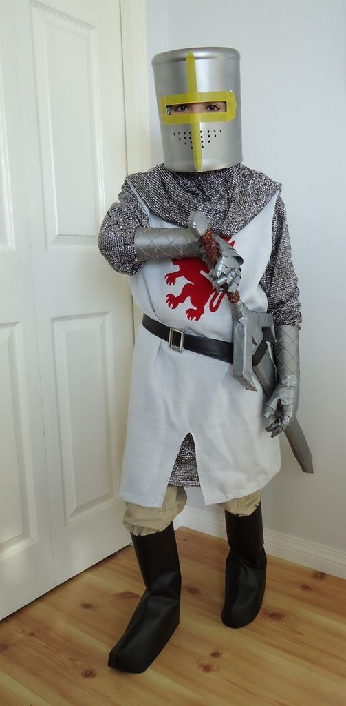 Diy Youth Knight Costumes With Helmet Sword And