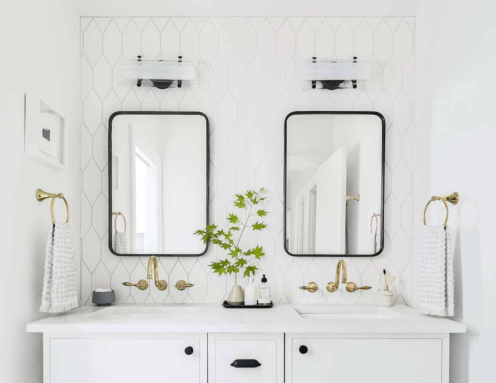 Design 101 How High To Hang Your Sconce In Every Room 48 Of Our Favorite Picks Emily Henderson In 2020 Bathroom Decor Apartment Bathroom Sconces Wall Mounted Lamps