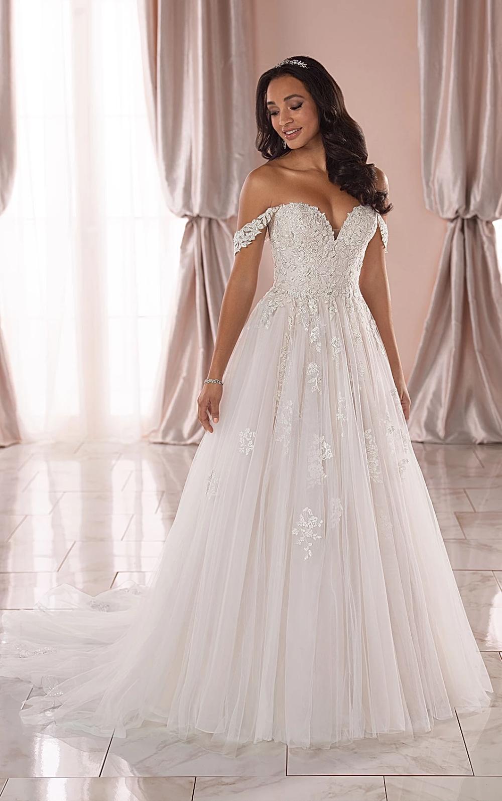 Plus Size Wedding Dresses In 2020 Stella York Wedding Dress Wedding Dresses Lace York Wedding Dress