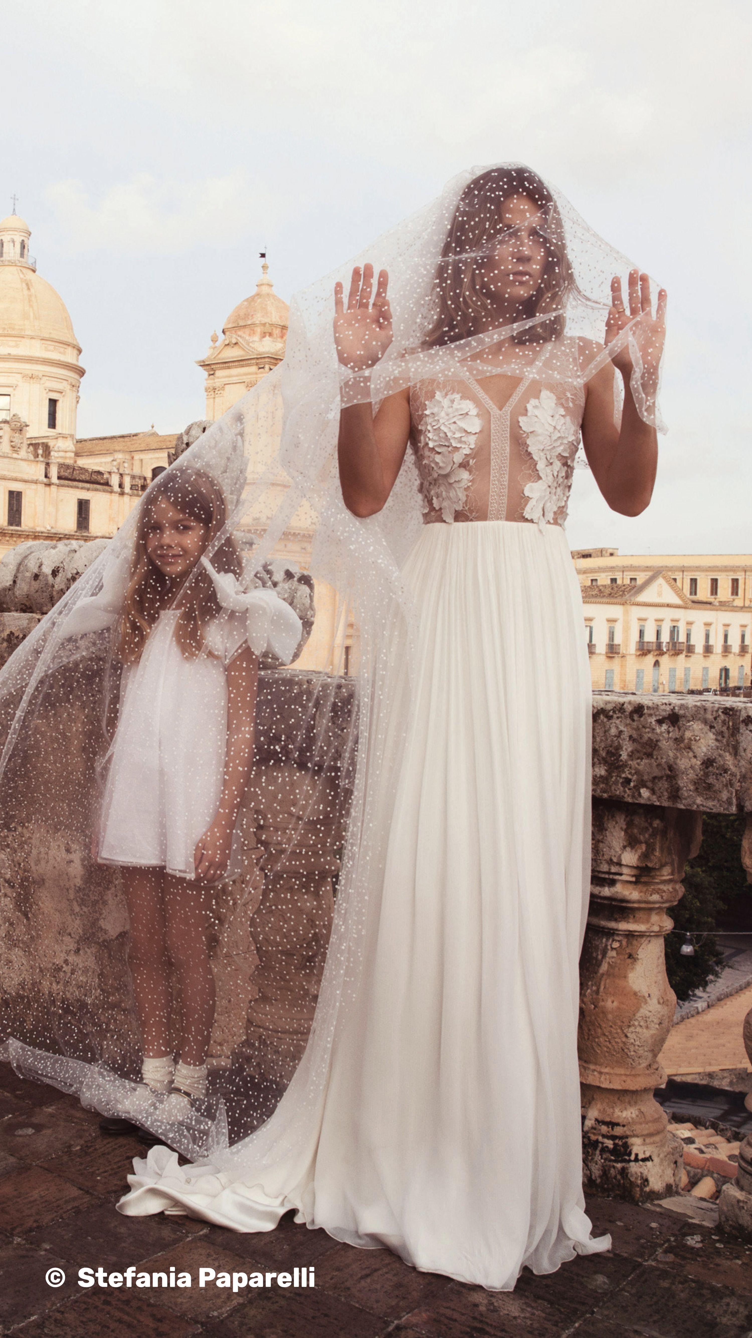 kleider hochzeit bunt 11 Bräute – 11 Stile: Die schönsten