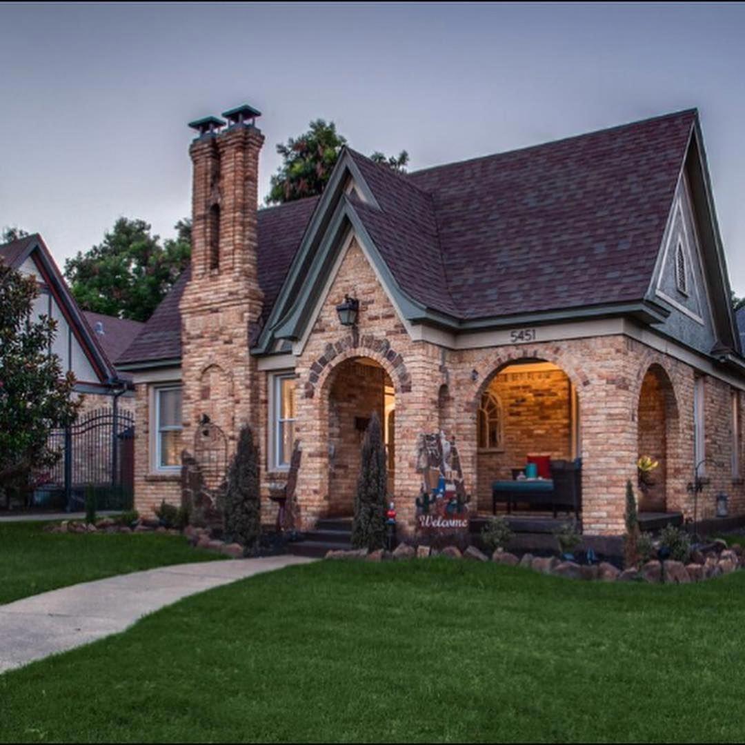 1debb4eccb7acd9c65e15e96d5a1c69a - 38+ Small Luxury Modern Bungalow House House Design 2020 Pics