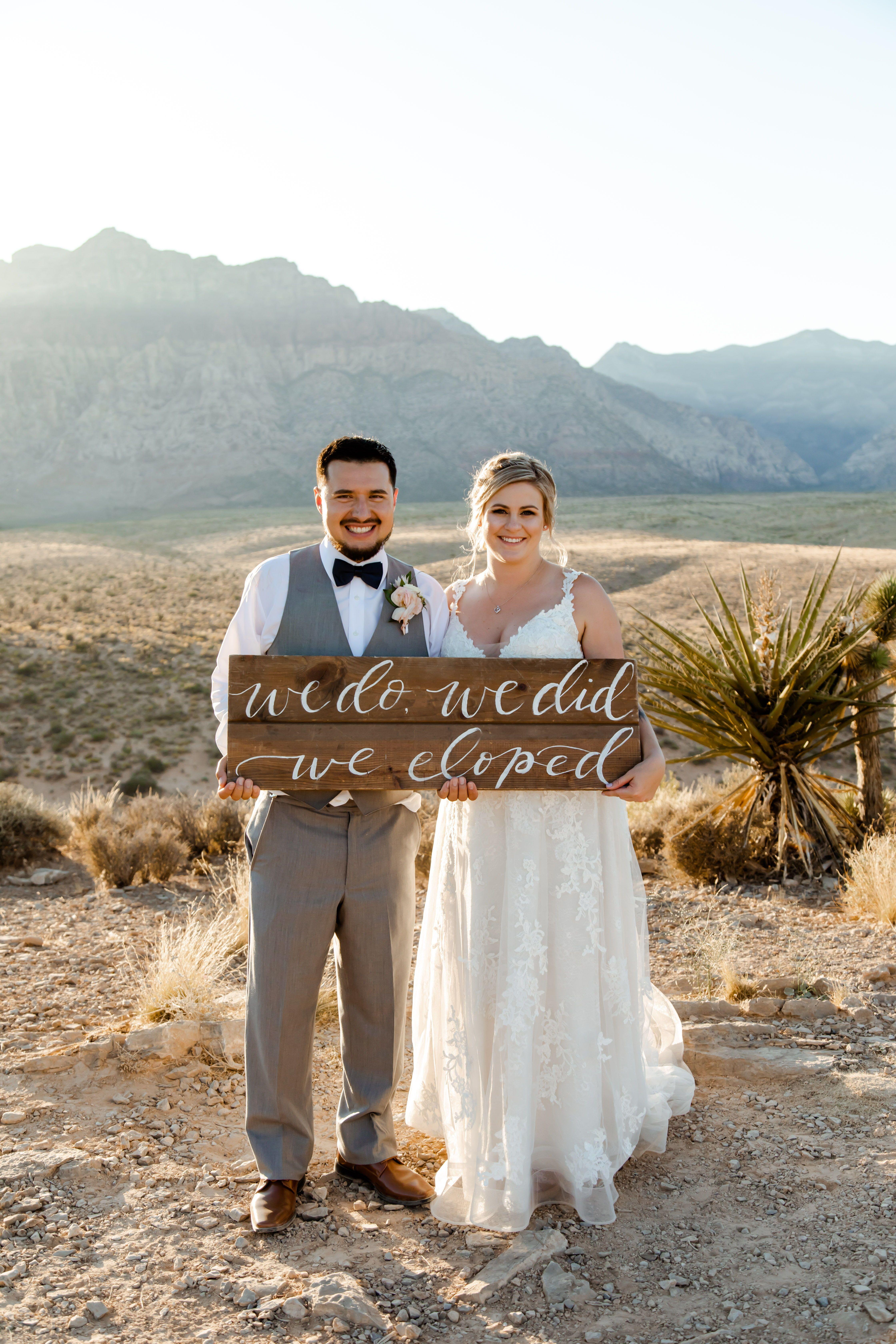 Las Vegas Elopement Packages Nevada Las Vegas Elopement Las Vegas Elopement Married In Vegas Vegas Wedding