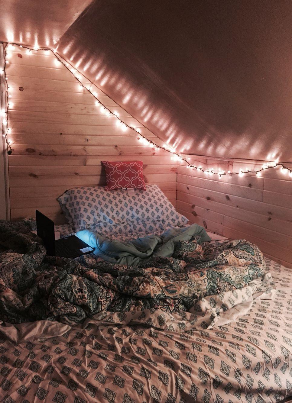 Bedding décor