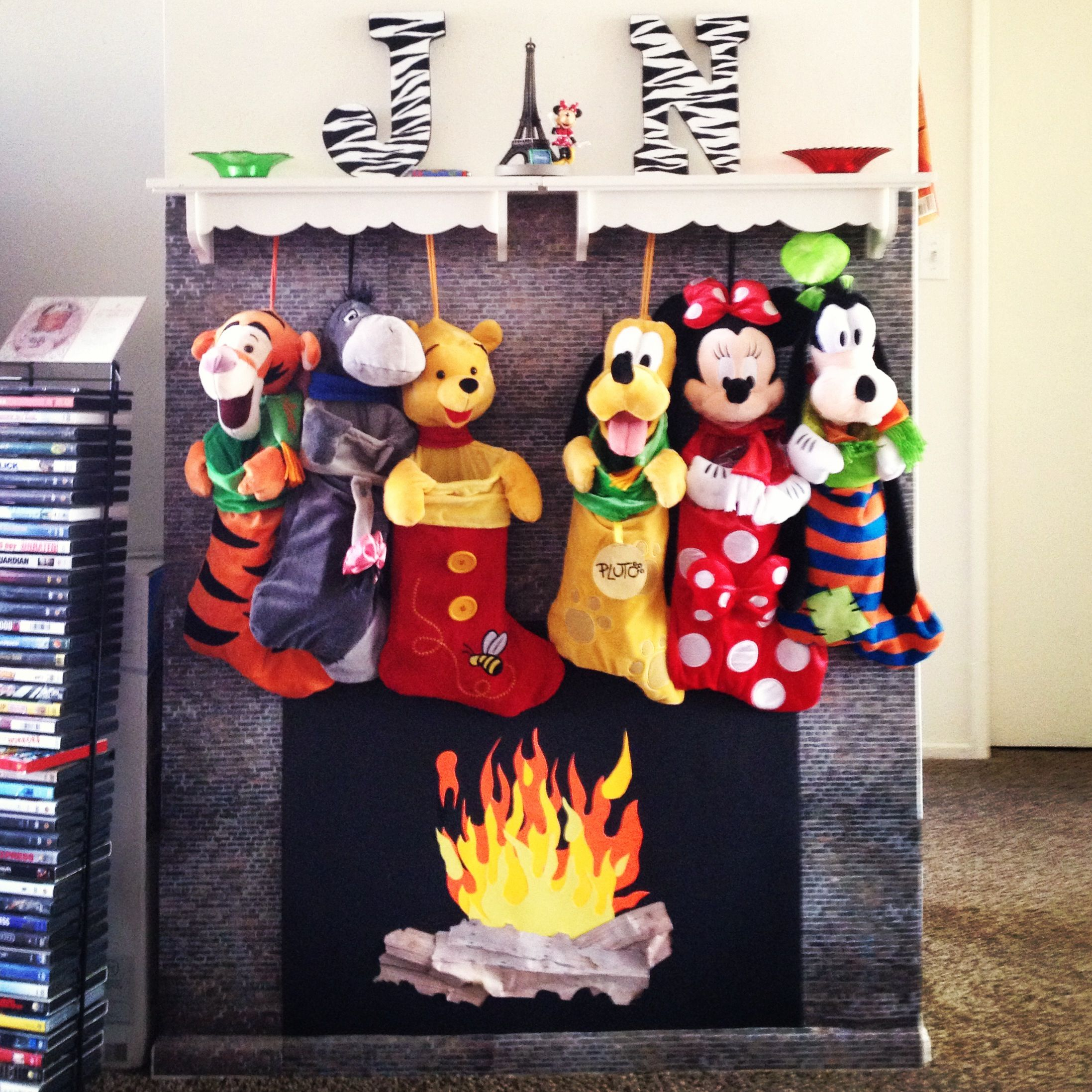 our homemade fireplace and mantel what a cute idea navidad