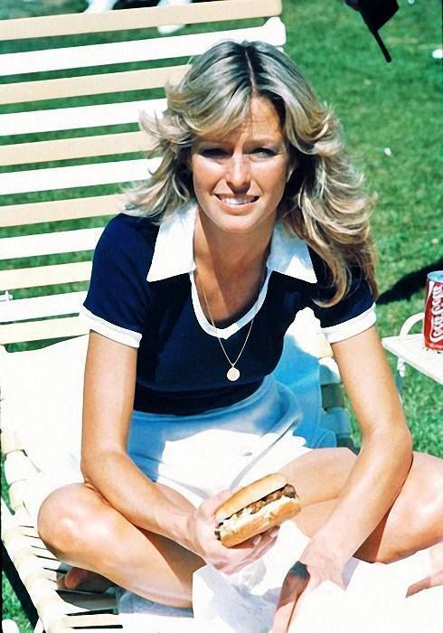 """charliesangels76-81: """" (Farrah Fawcett) and others can also be found on Charlie's Angels 76-81 - http://ift.tt/2a9PNzx """""""