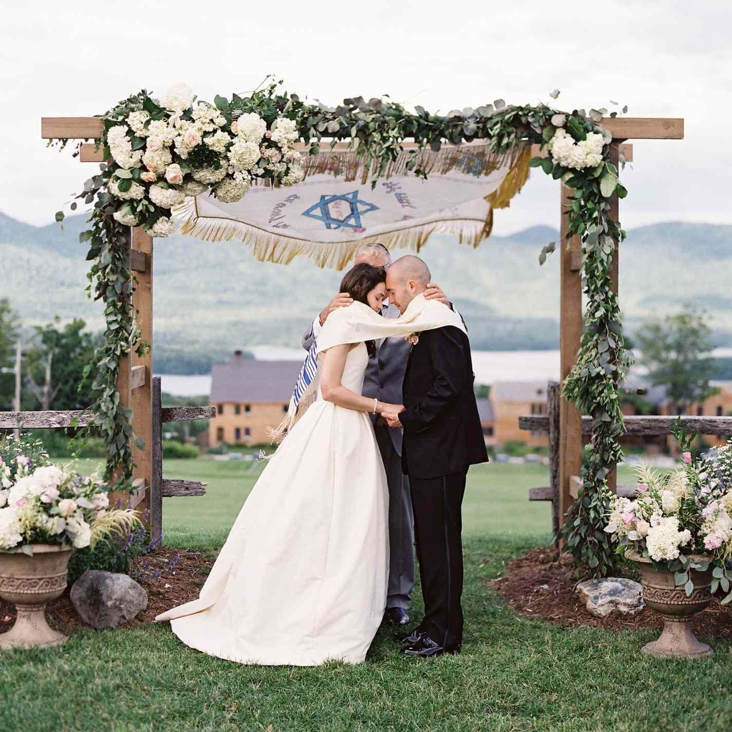 13 Jewish Wedding Traditions And Rituals You Need To Know In 2020 Jewish Wedding Traditions Jewish Wedding Jewish Wedding Chuppah