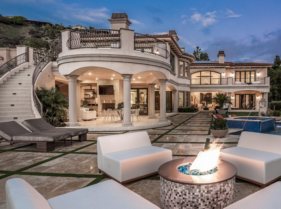Million mediterranean mansion in los angeles ca for Luxury home models