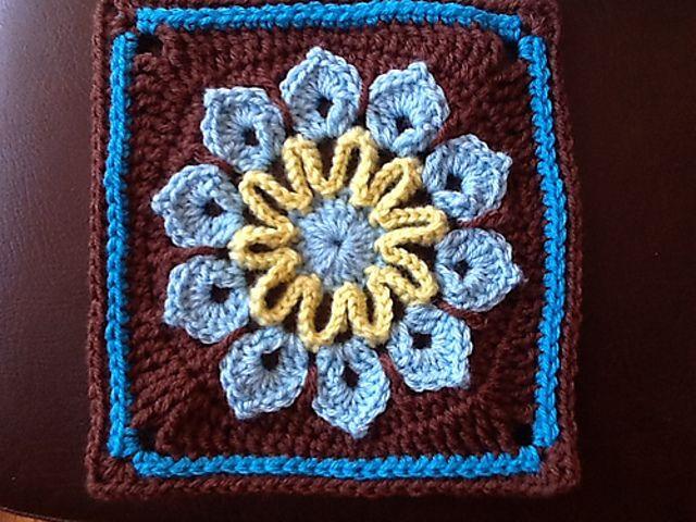 Ravelry Simple 10 Petal Afghan Square By Joyce Lewis Free