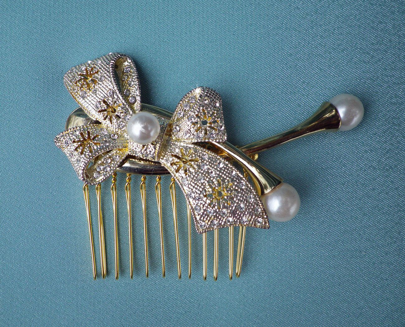 vintage style golden metal bow & pearls wedding bridal hear comb