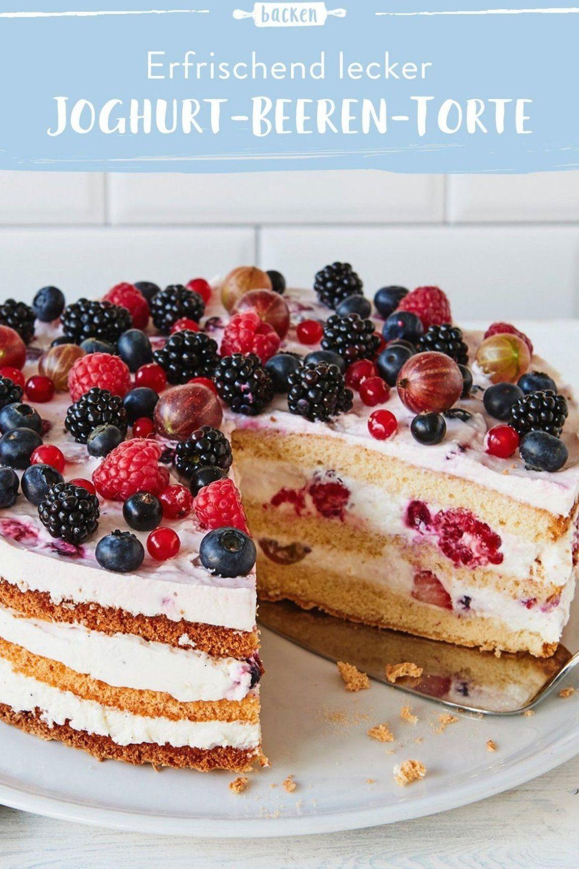 Eine Fruchtige Biskuit Torte Mit Joghurtmousse Und Einer Mischung Aus Vielen Verschiedenen Beeren Eignet Sich Super F R Kaffeeklatsch Mit F