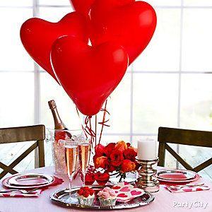A romantic Valentine's centerpiece