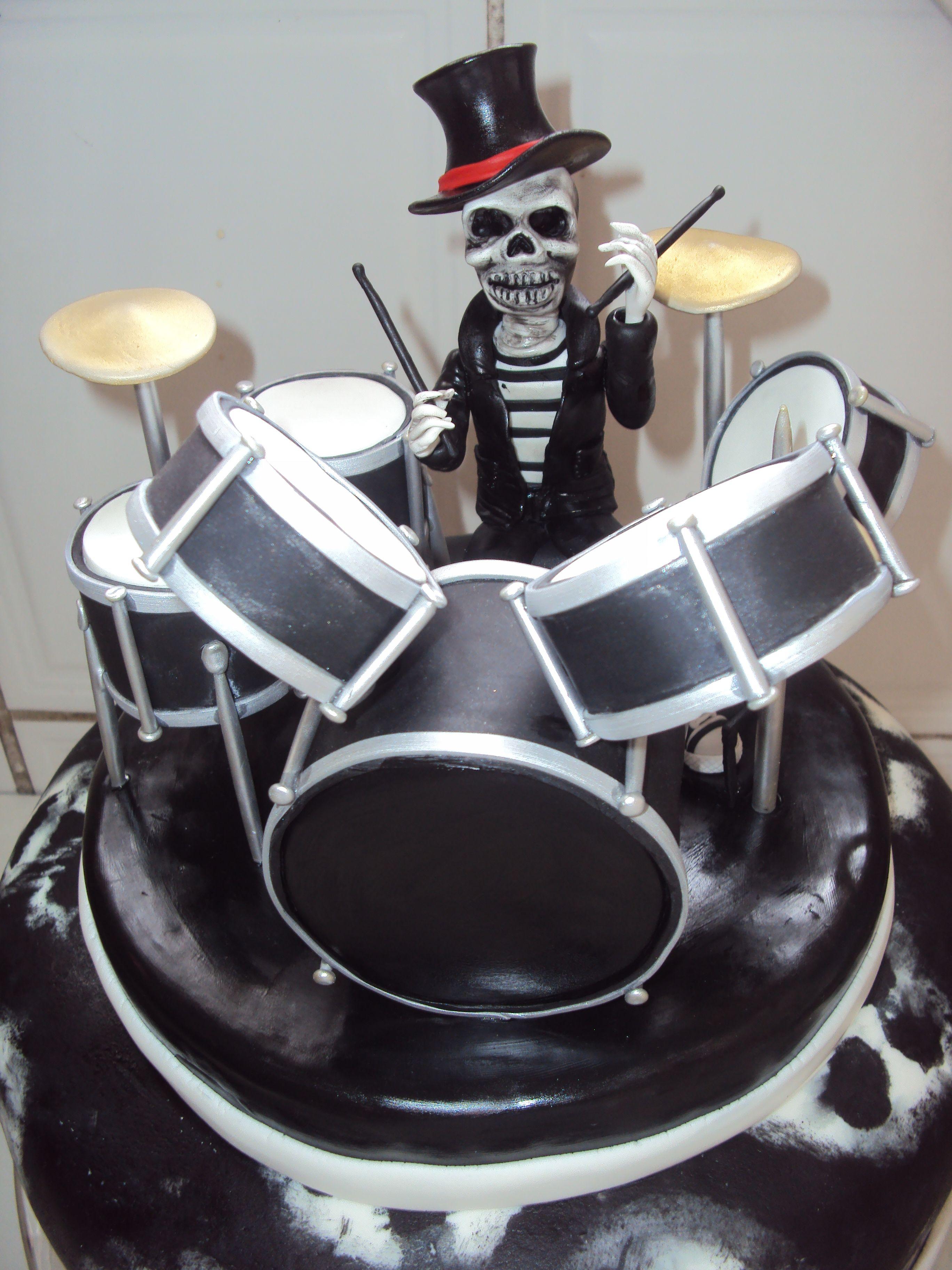 caveira  tocando bateria,porcelana fria