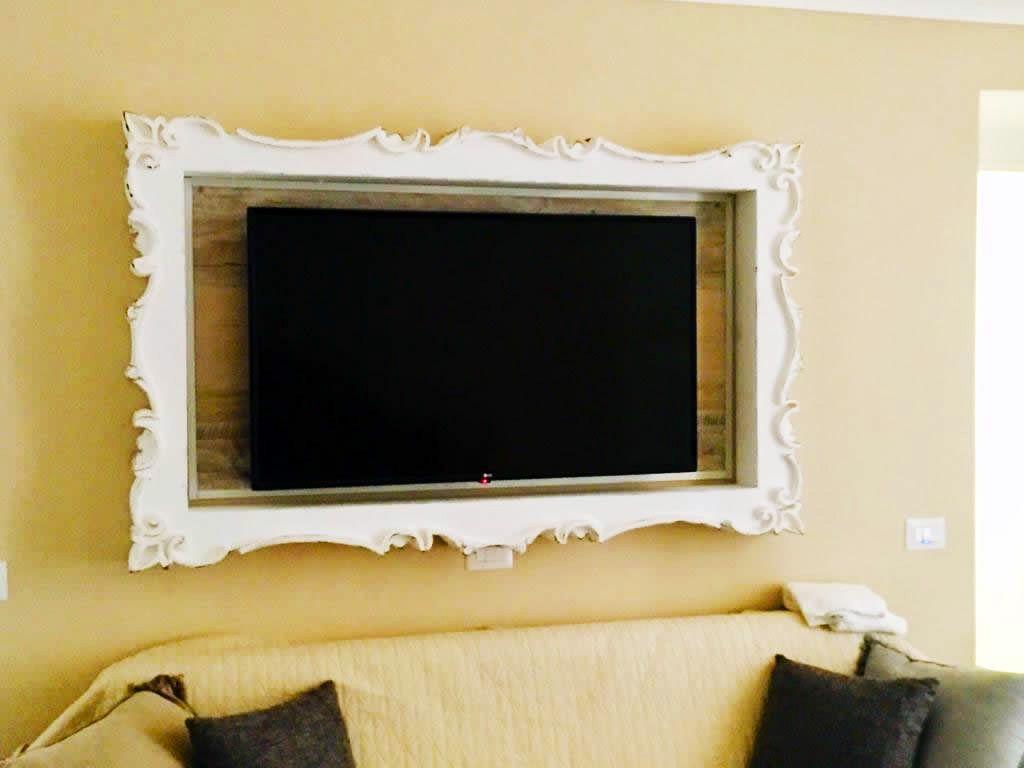 Cornice TV shabby chic. Cornici per televisori in vendita