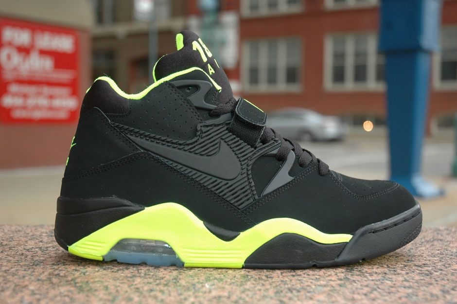 Nike Air Force 180 Mid Black/Volt