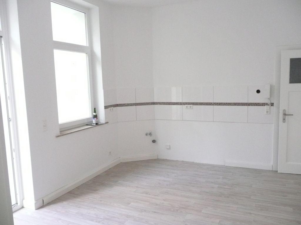 Nachher Nochmal Die Wohnkuche Aufgenommen Vom Immobilienmakler In Hannover Arthax Immobil Altbauwohnung Wohnung Mieten Und Wohnkuche