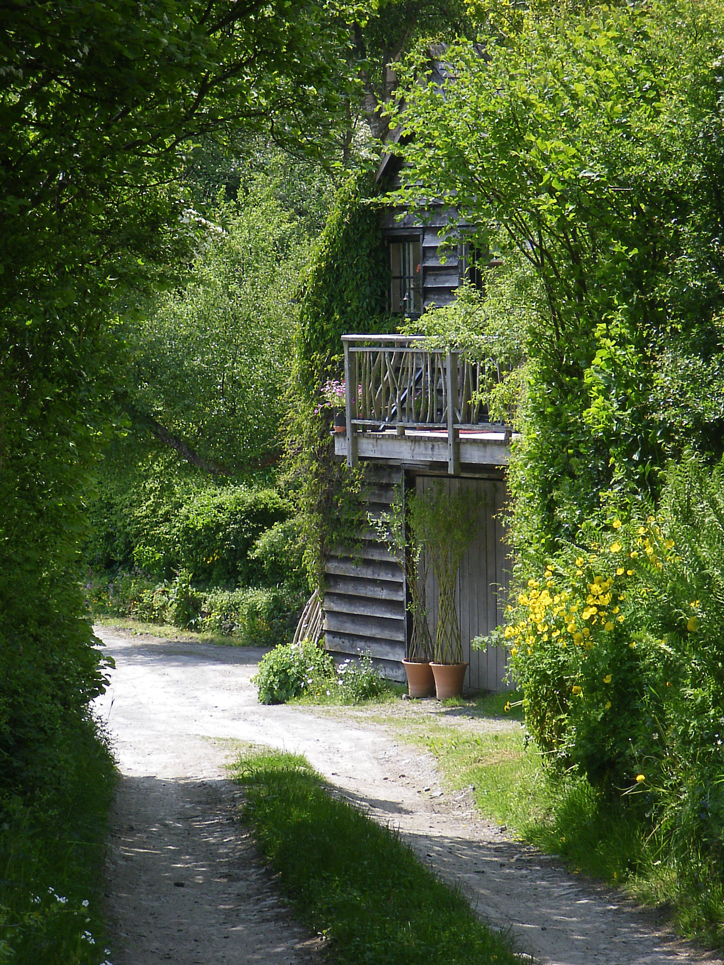 The Gorfanc Hideaway, Powys. Gorfanc is an 11 acre smallholdingn in a fold of the ancient Cambrian Mountains, a mile and a half from the village of Carno http://www.organicholidays.co.uk/at/1249.htm