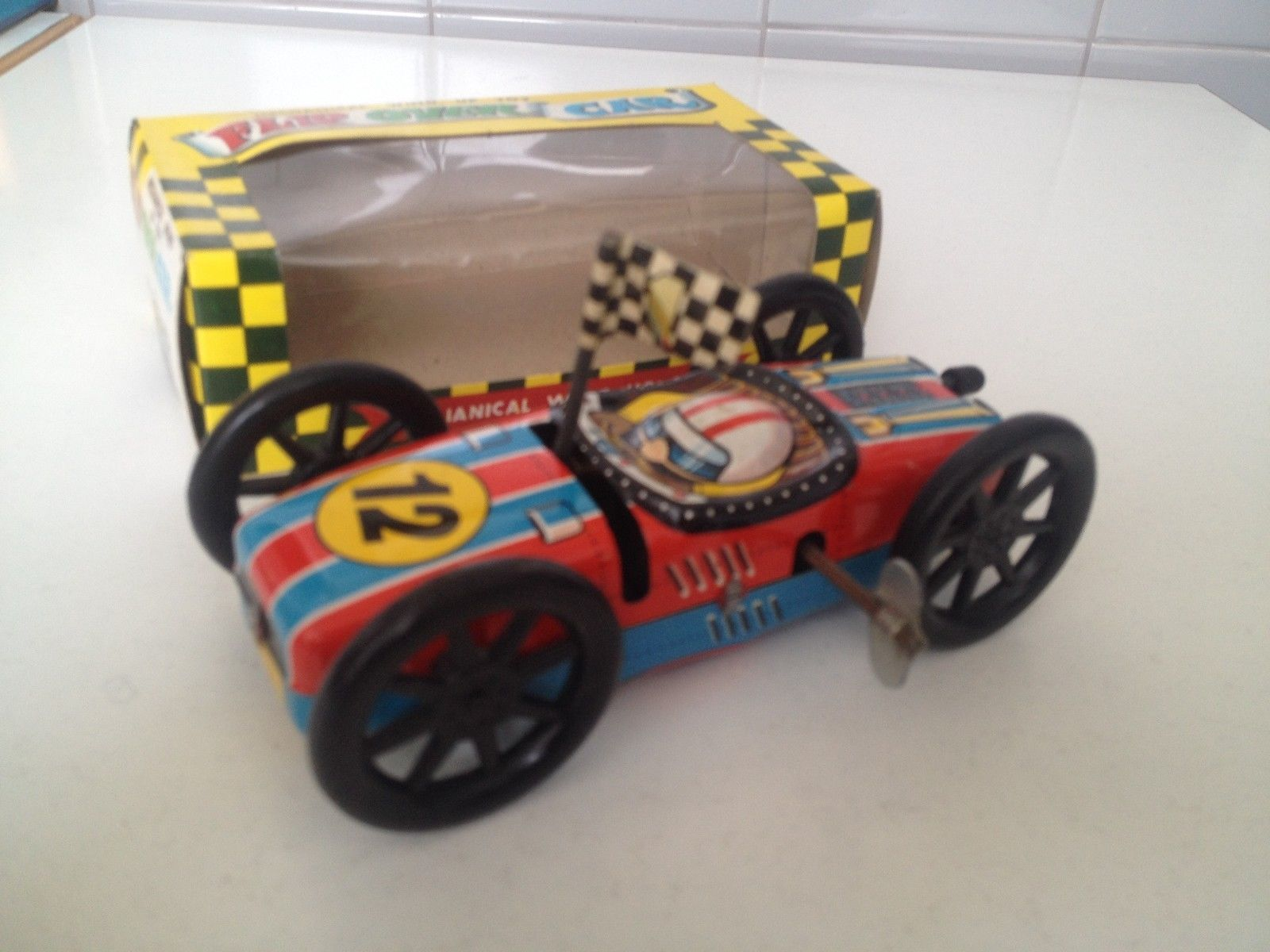 VINTAGE YONE MECHANICAL WIND UP TOY FLIP OVER CAR IN