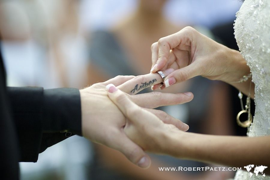 The Most Epic Wedding Ring Exchange Photo Yet Www Robertpaetz Com