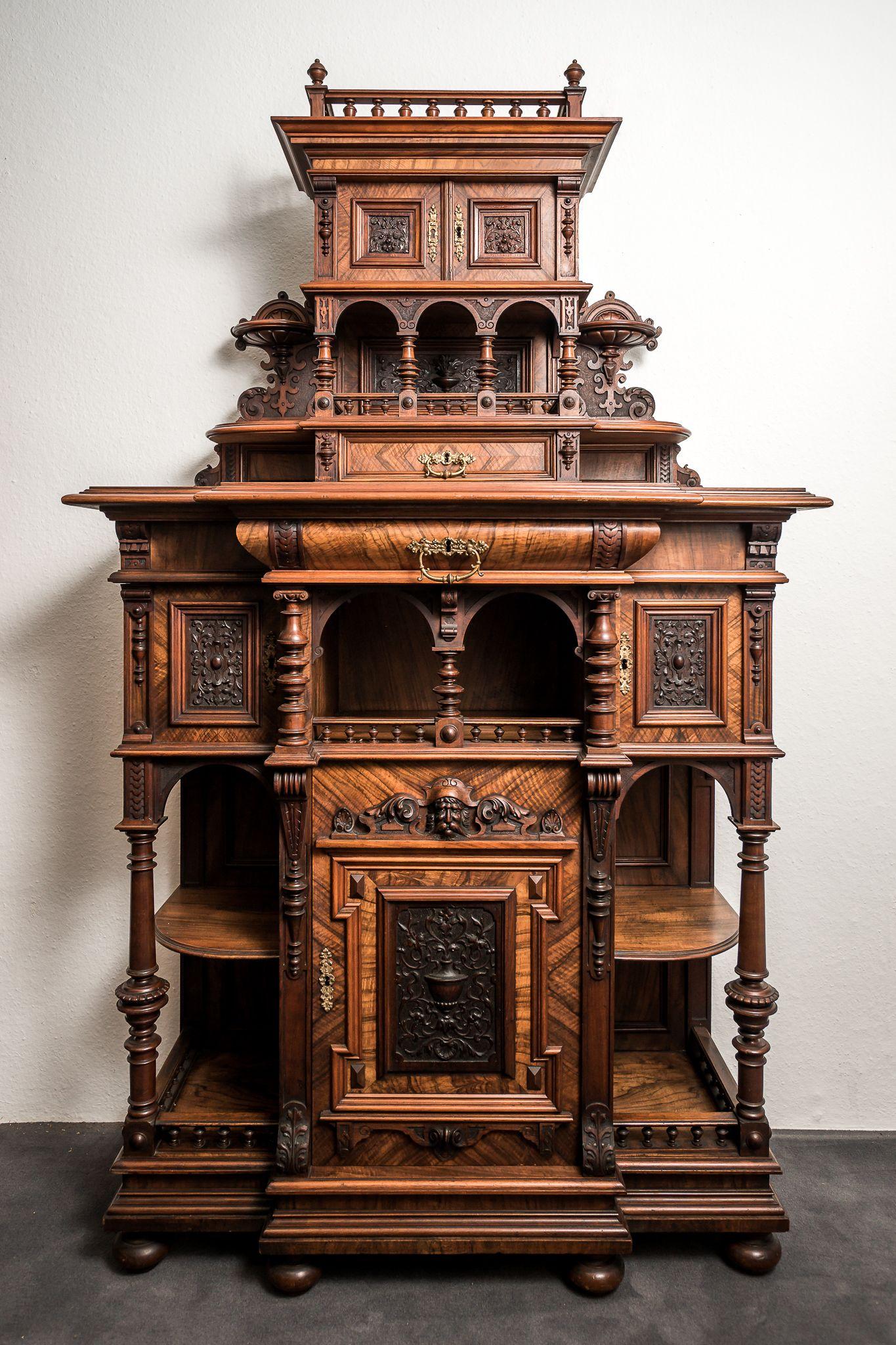 Kabinett & Stollenschränke | Stilvolle Gründerzeit-Antiquitäten