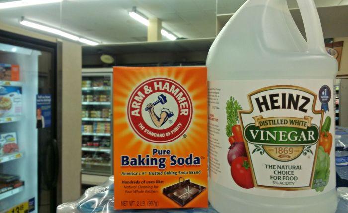 Can Baking Soda and Vinegar Unclog a Toilet? | Vinegar, Soda and ...