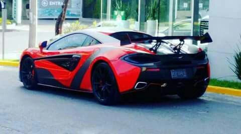 McLaren 570s en #Querétaro por que lo bonito se aprecia con la vista!