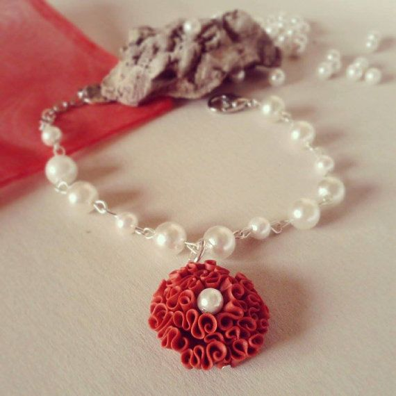 Coral Red bracelet with pearls on ETSY € 12,00