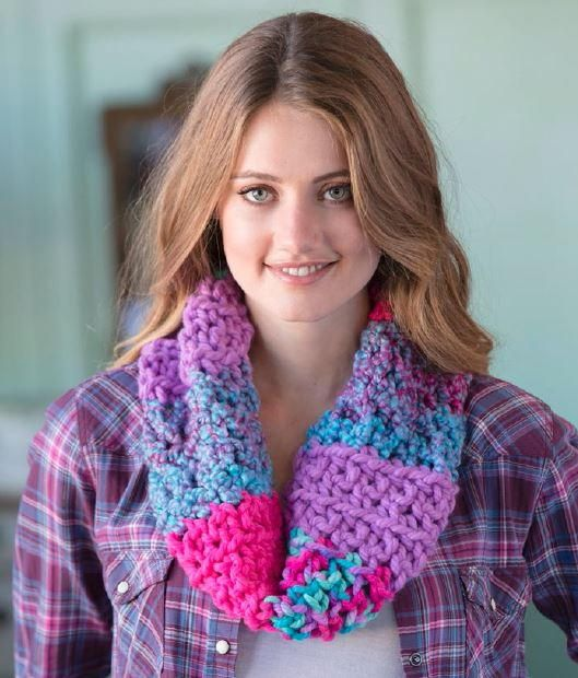 Girls\' Night Out Crochet Cowl | Pinterest | Cuellos tejidos