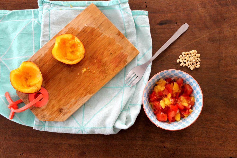 Voici une recette très simple, que je fais toutes les semaines en été. Une salade de pêche et de tomate. Ce n'est vraiment pas compliqué à réaliser et se sont deux fruits qui se marient très …