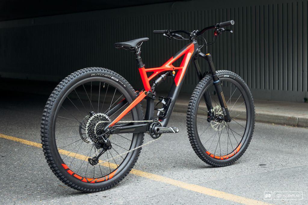 2018 Specialized Enduro Specialized Enduro Mountain Bike
