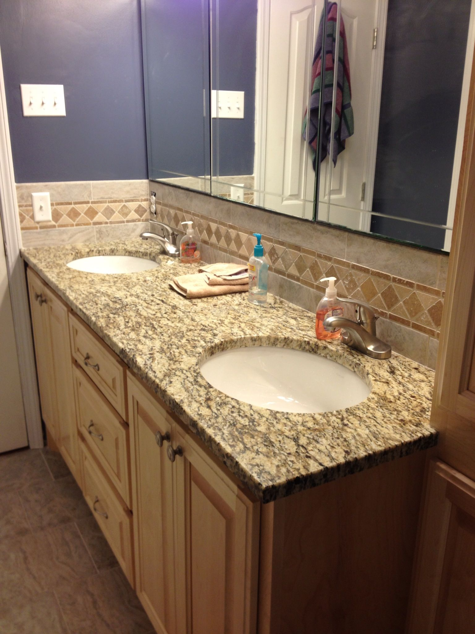 - Granite Top / Tile & Stone Backsplash Stone Backsplash, Granite