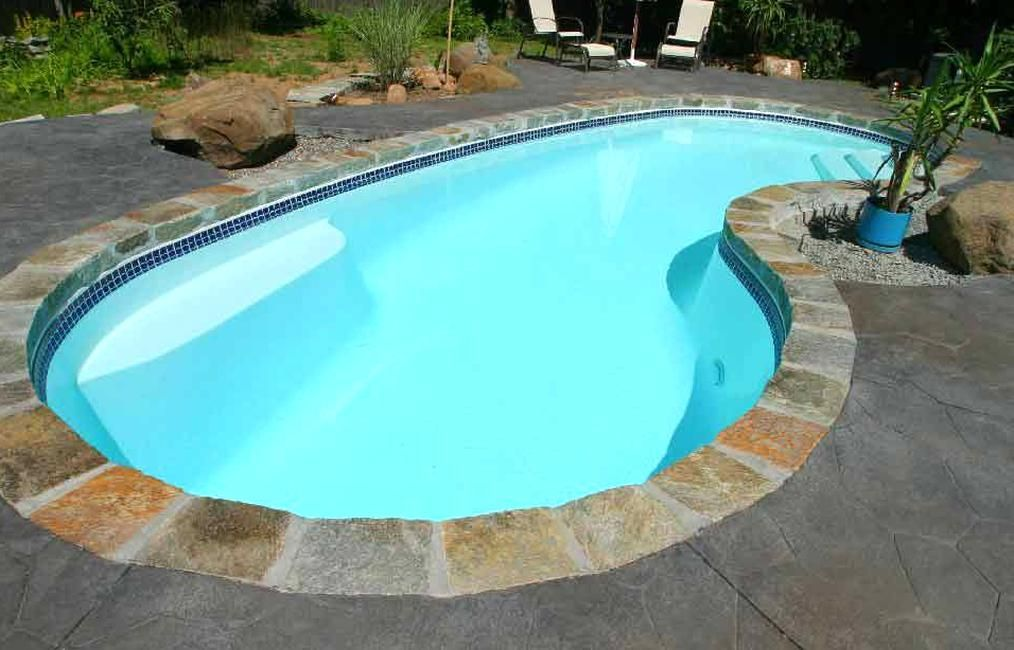 Seaside 11 11 363m 27 10 848m 6 183m 242ft2 22m2 8000g 30283l The Seaside Fiberglass P In 2020 Backyard Pool Designs Fiberglass Pools Pools Backyard Inground