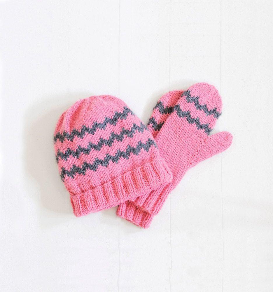 Zig Zag Mittens & Hat. Free pattern. | knit 1 purl 2 | Pinterest ...