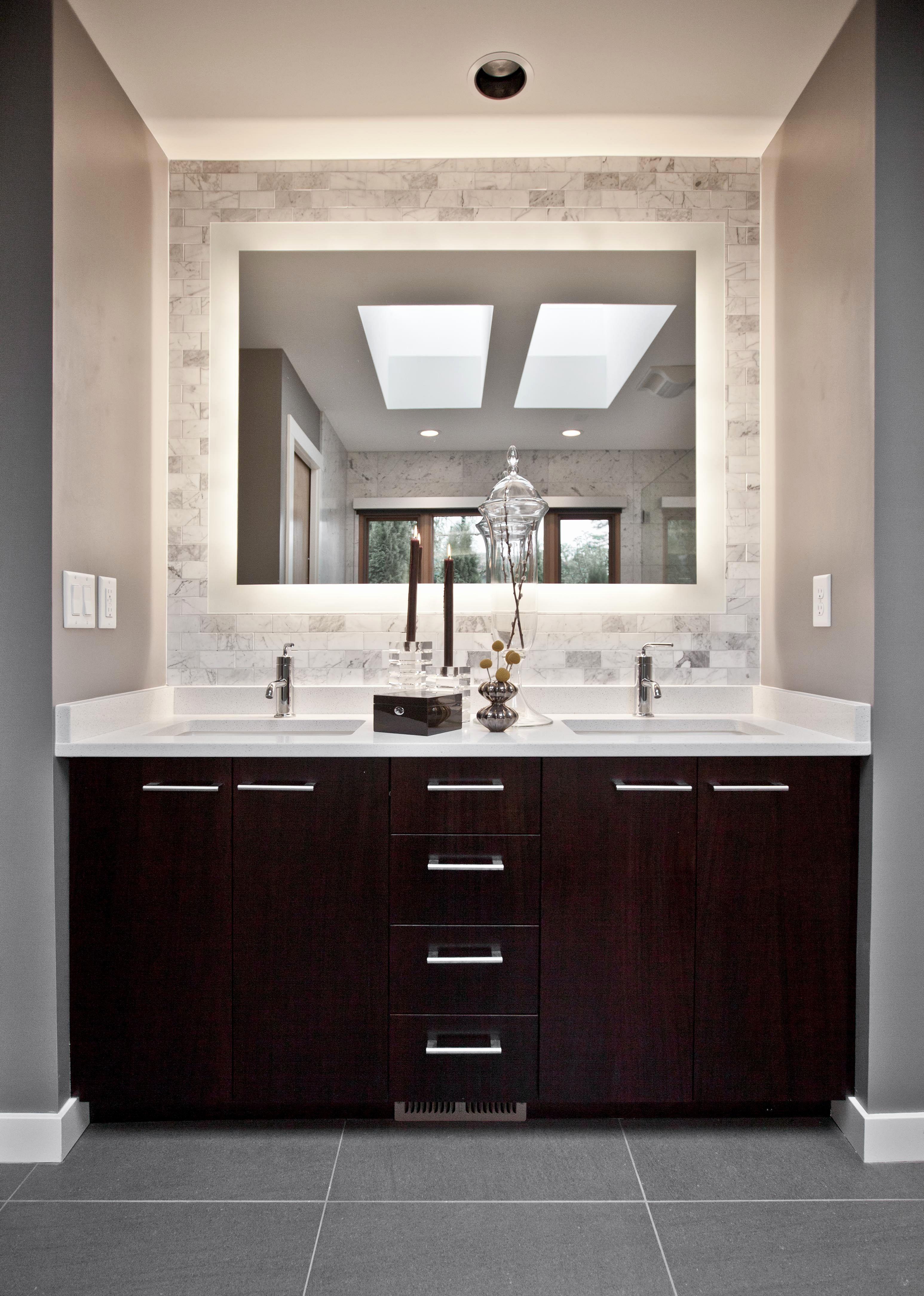 13 Amazing Modern Vanity Mirror Design Ideas For You To See Relaxing Bathroom Bathroom Vanity Designs Modern Bathroom