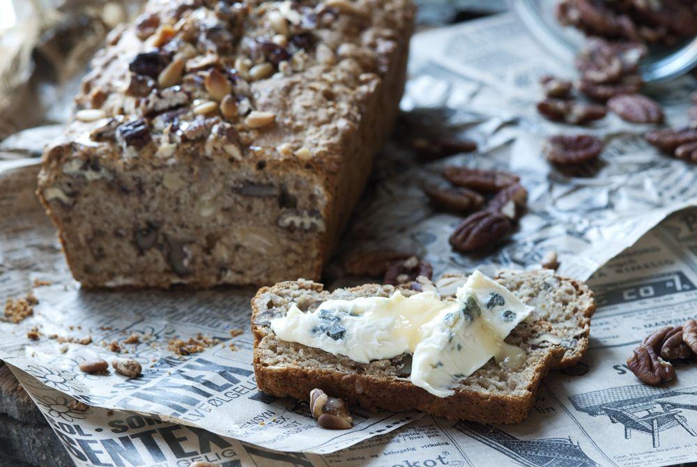 brød med nøtter