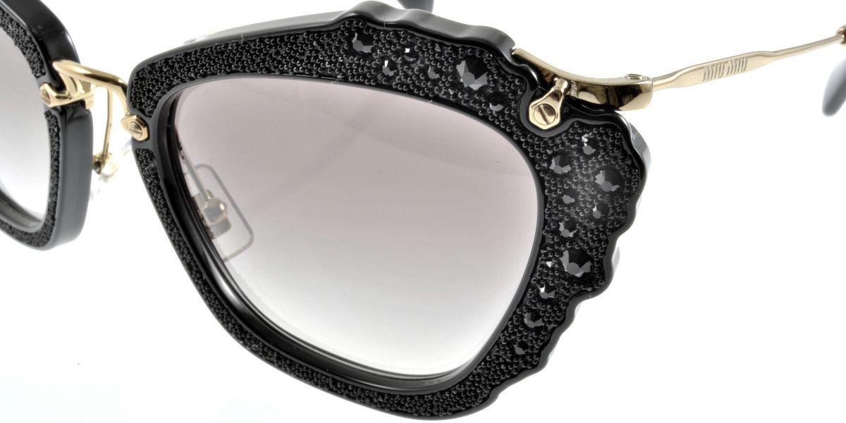 e01e3ef9d4eb4 ... no Miu Miu Noir Pedrarias! Vem comprar o seu  www.oticaswanny.com   oculos  online  certificado  garantia  qualidade  luxo  sunglasses  oticas   wanny