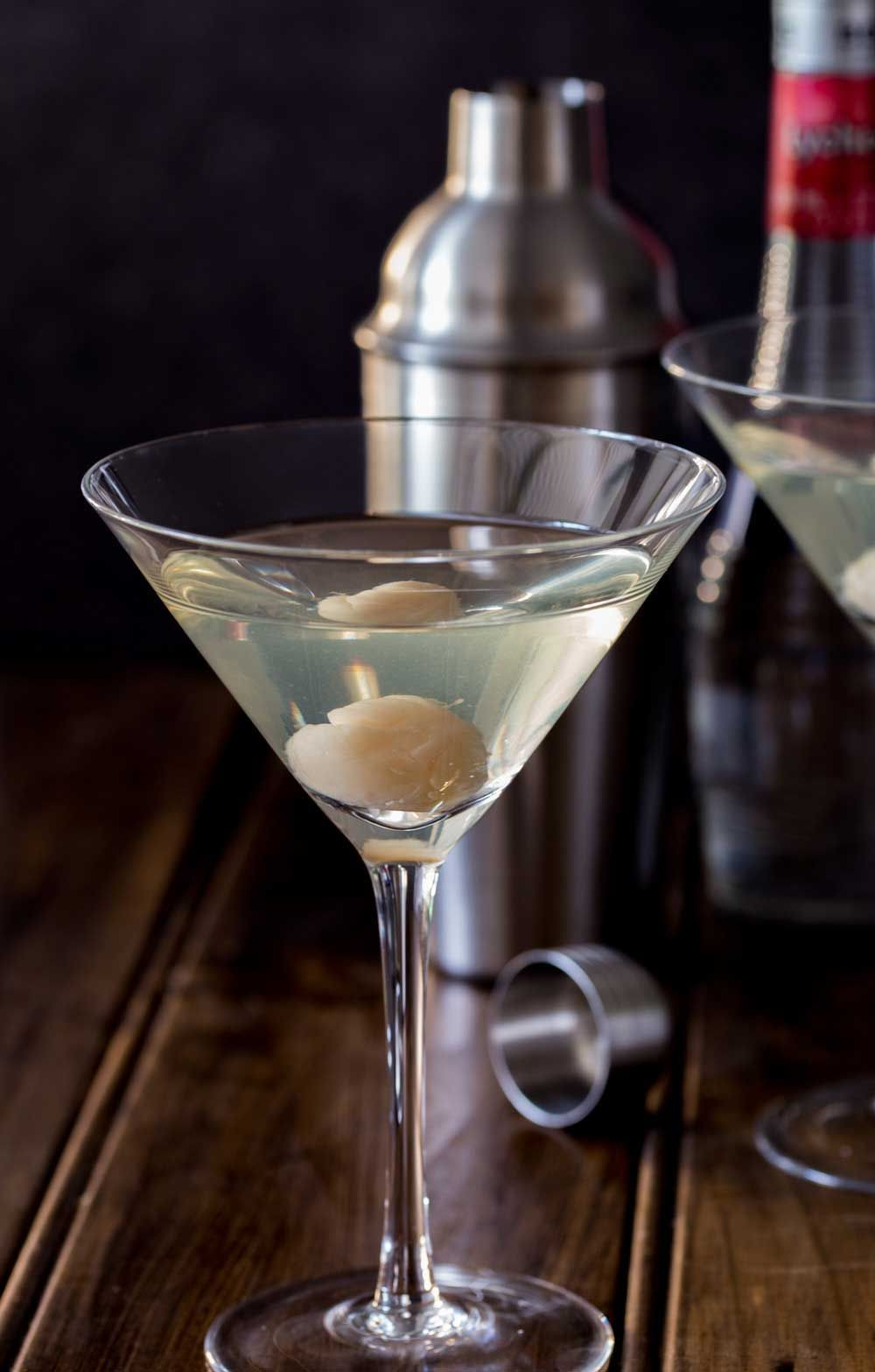 Lychee Martini | Sprinkles and Sprouts #lycheemartini Lychee Martini | Sprinkles and Sprouts #lycheemartini